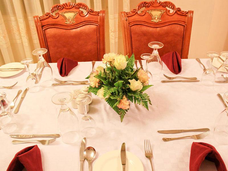 Hotel-Hennessis-Restaurant