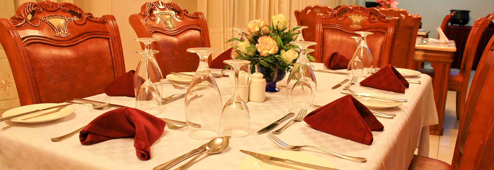 Hennessis-Hotel-Restaurant