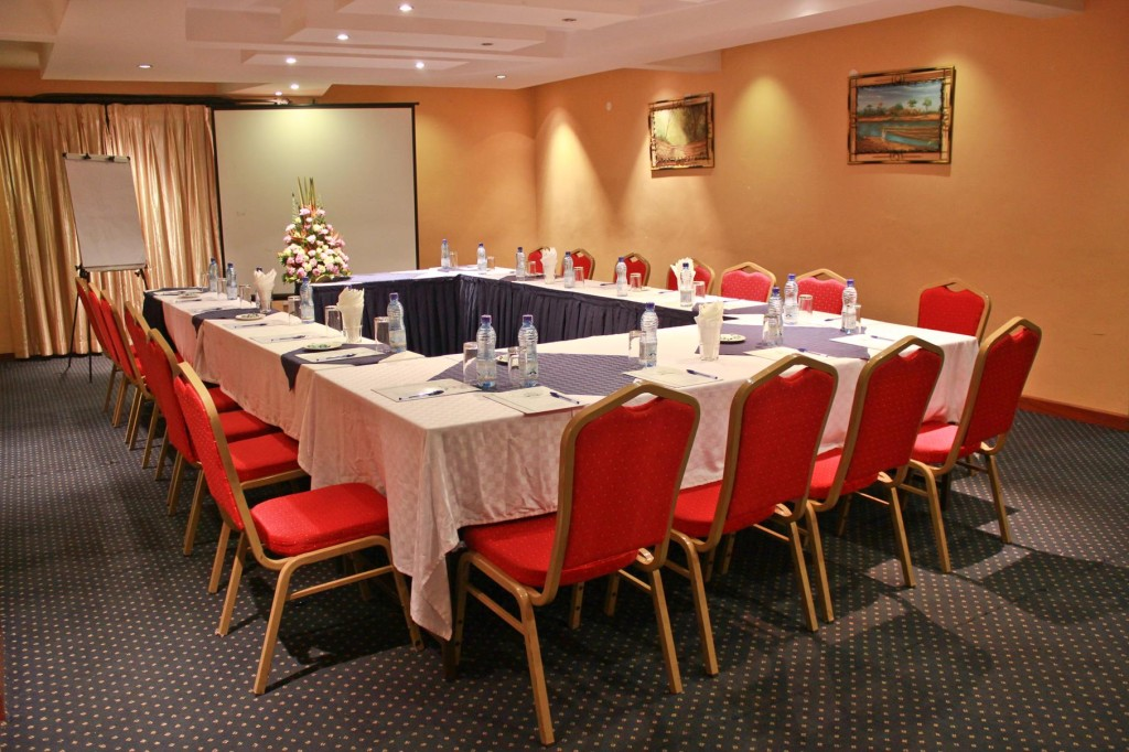 Conference Rooms & Banqueting - Hotel Hennessis