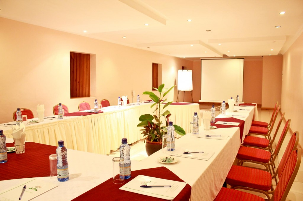 Summit Conference Room - Hennessis Hotel